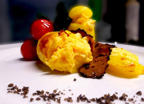 Uova in camicia di patate con tartufo